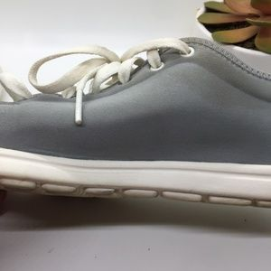 Reebok Shoes - Reebok Ultralightweight sneakers in gray
